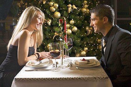 Paar beim Essen, Weihnachten