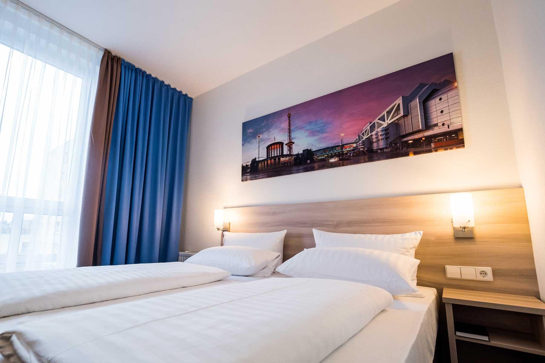 Bild vom Comfort 2-Bett Zimmer im AMBER ECONTEL Berlin-Charlottenburg