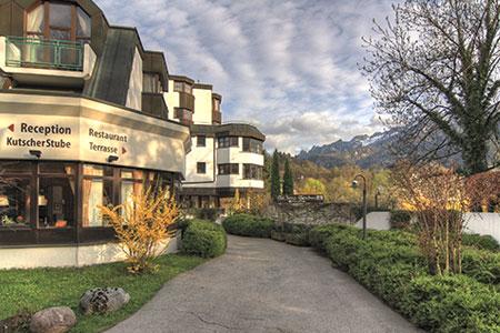 AMBER HOTEL BAVARIA Bad Reichenhall, Hotelansicht Frühjahr