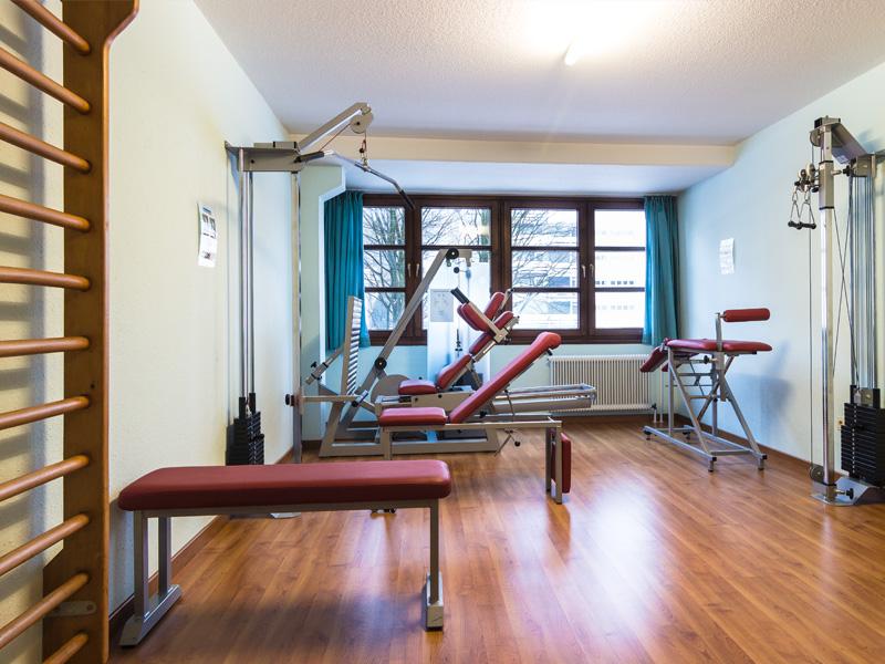 AMBER HOTEL BAVARIA: Fitnessraum - Fitness room