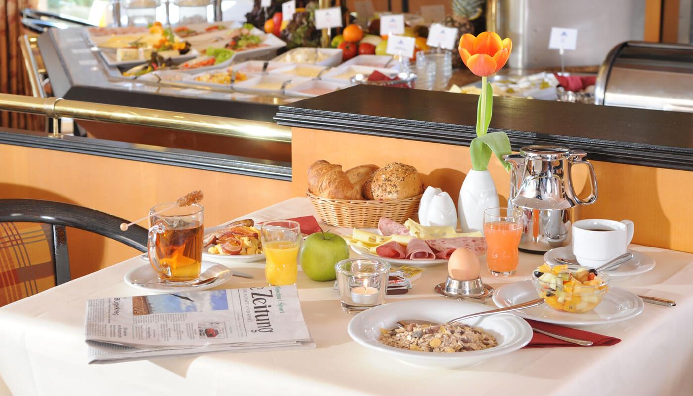 """Restaurant Hilden """"Frühstück"""" Bild: AMBER HOTEL Hilden/Düsseldorf"""
