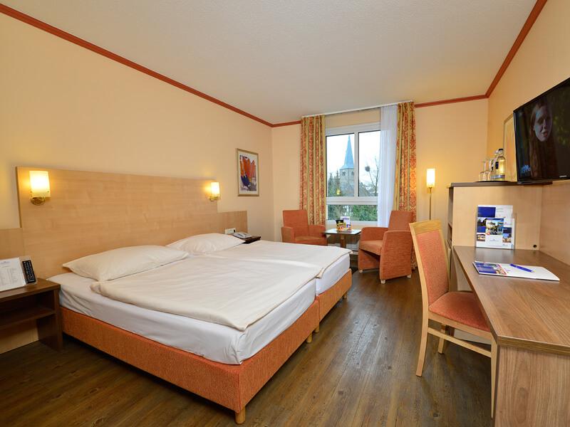 AMBER HOTEL Hilden/Düsseldorf: Wohnbeispiel – room example