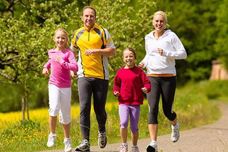 Jogging Familie, Foto: kzenon/123rf